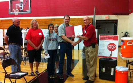 Union R-XI Key Club members receiving a certificate commemorating last years blood drive. They exceeded their goal of 100 donors, with 112 participants.
